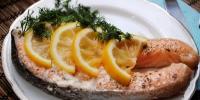 Лосось под чесночно-лимонным маринадом